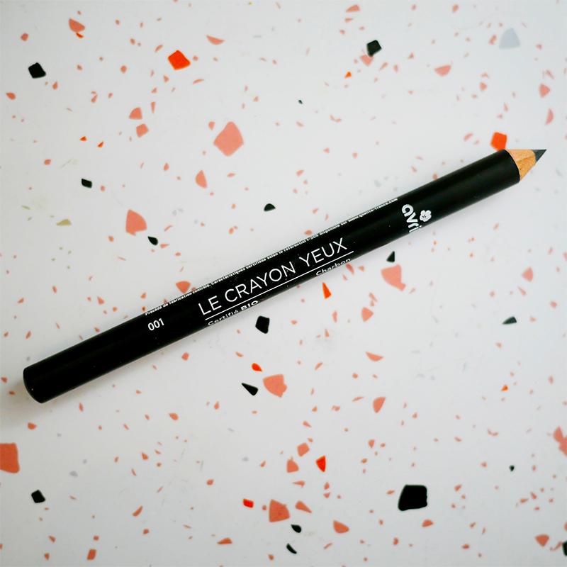 Crayon yeux noir charbon...